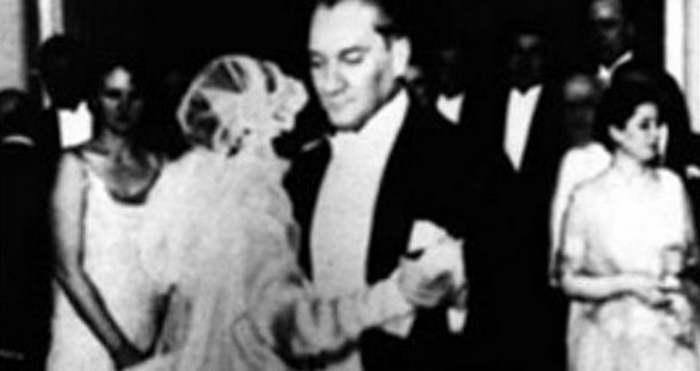 Müzeyyen Senar, Mustafa Kemal Atatürk ve Bursa