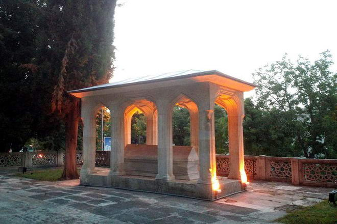 Mevlit Yazarı Süleyman Çelebi ve Kazım Baykal