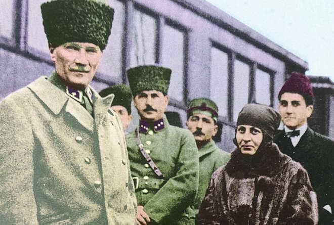 """Halide Edip'in romanı… Mustafa Kemal Paşa ve """"Vurun Kahpeye"""""""