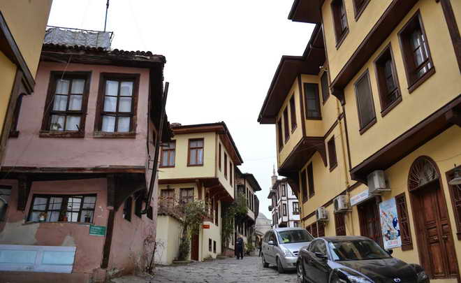 Tarihe ışık tutan Bursa evleri