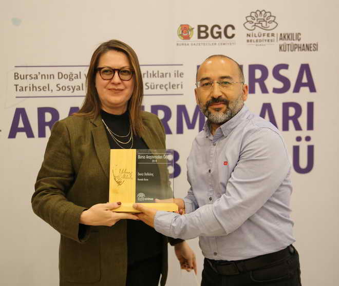 """""""Belgesel Tarih"""" Yazarı Deniz Dalkılınç'a Ödül"""